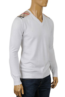 BURBERRY Men's V-Neck Sweater #120